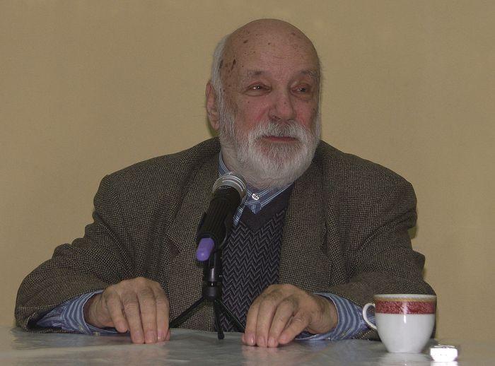 Виктор Николаевич Тростников