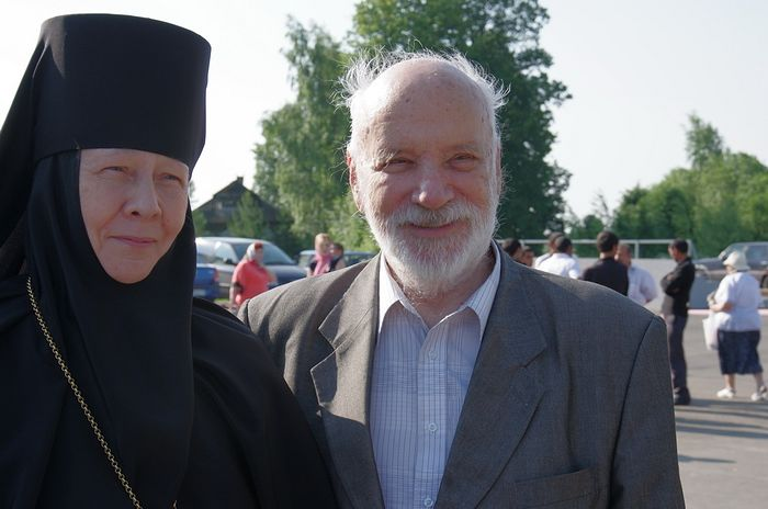 Игумения Евстолия (Афонина) и Виктор Тростников