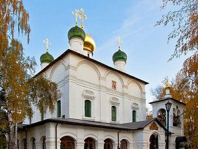 Божественная литургия в Сретенском монастыре в Неделю 18-ю по Пятидесятнице, в день памяти прп. Сергия Радонежского