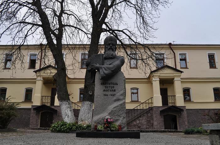 Киевская духовная академия и семинария