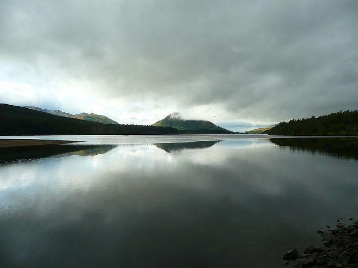 Озеро Лох-Лаган на Шотландском нагорье