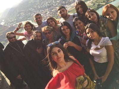 Паломничество ассирийской молодежи