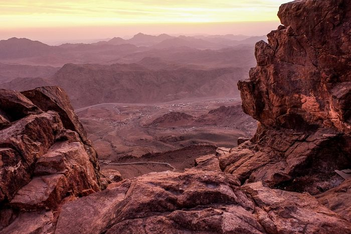 A view of the valleys beneath Mount Sinai. Photo by Archpriest Igor Pchelintsev.