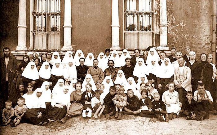 Протоиерей Илия Громогласов и приход храма Воскресения Христова в Кадашах, 1924 г.