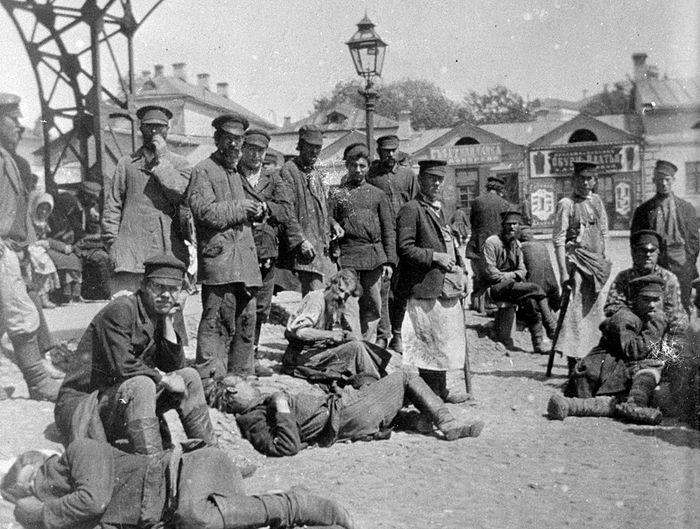 Рабочие-поденщики на Хитровке, начало XX века