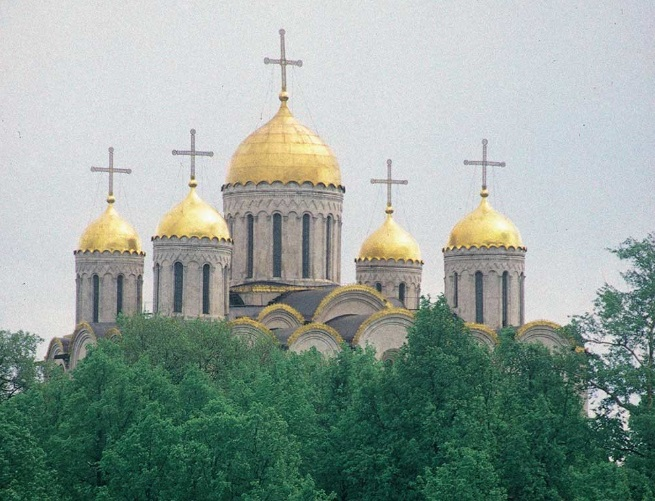 Dormition Cathedral. West view across Erofeev Descent. May 25, 1998. William Brumfield