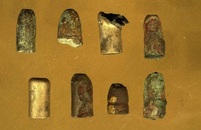 Пули, обнаруженные в захоронении 1991 года