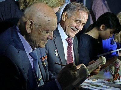 Легендарные космонавты поддержали проект Детского хосписа «Мечты сбываются»