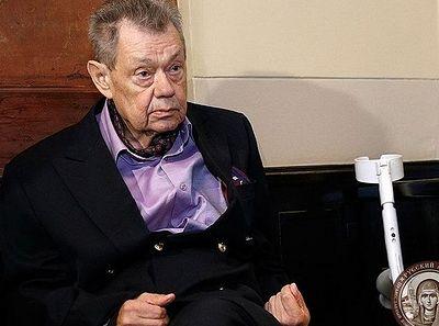 Николай Караченцов, у которого обнаружен рак, улетел на Афон, чтобы помолиться перед операцией