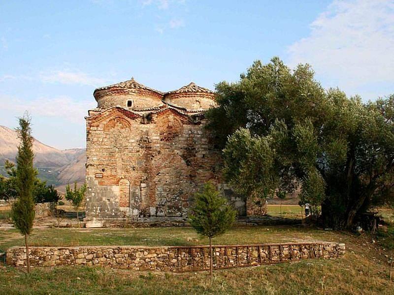 Власти Албании установили плату за вход в некоторые православные храмы
