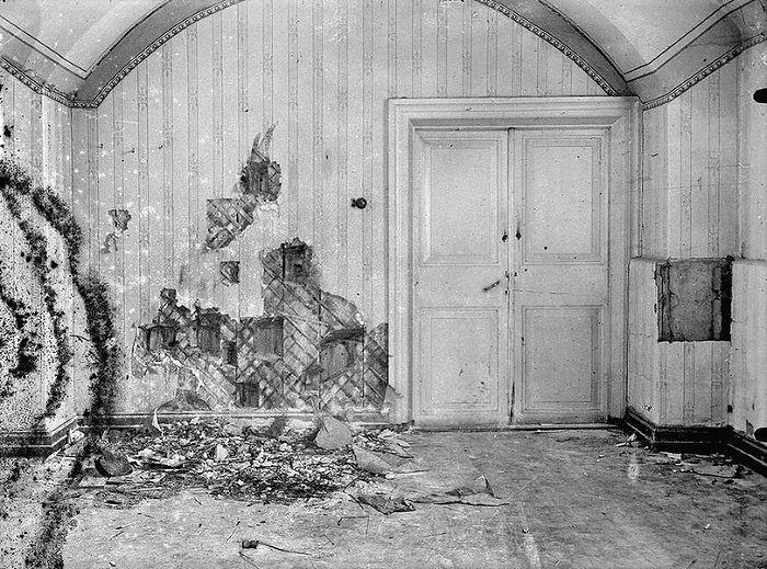Восточная стена подвальной комнаты в доме Ипатьева, где была убита Царская Семья