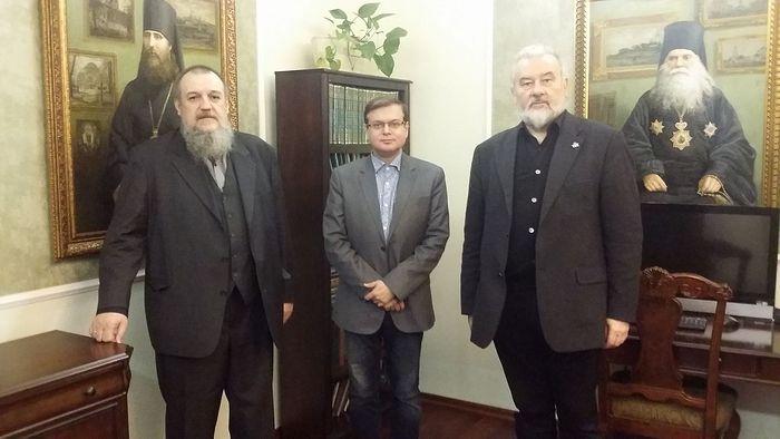 Л.Е. Болотин, Е.В. Пчелов и А.Д. Степанов