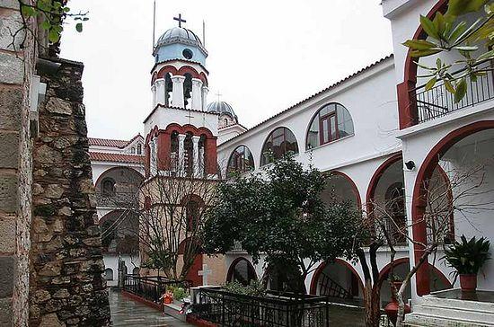 Монастырь преподобного Давида Эвбейского. Внутренний двор