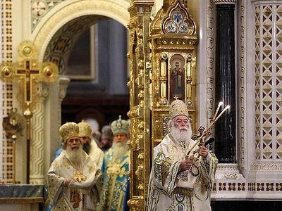 Блаженнейший Патриарх Александрийский возглавил торжественное богослужение в Храме Христа Спасителя в день 100-летия интронизации святителя Тихона