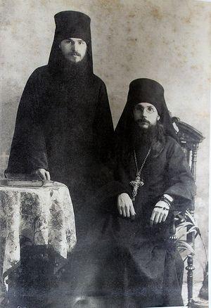 Иеродиакон Герман (Ряшенцев) и архимандрит Феодор (Поздеевский). Фото из архива игумена Варнавы (Столбикова)