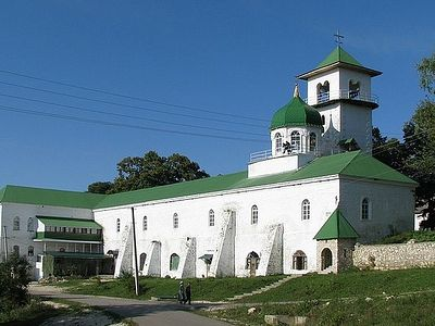 Как восстановили из руин самый высокогорный монастырь Адыгеи