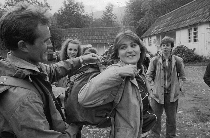 "Туристы на турбазе ""Романтика"", 1988 год. Фото: Владимир Веленгурин/ТАСС"