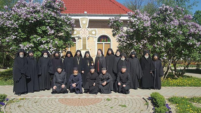 Братия монастыря. Фото: Архив Свято-Михайло-Афонского монастыря