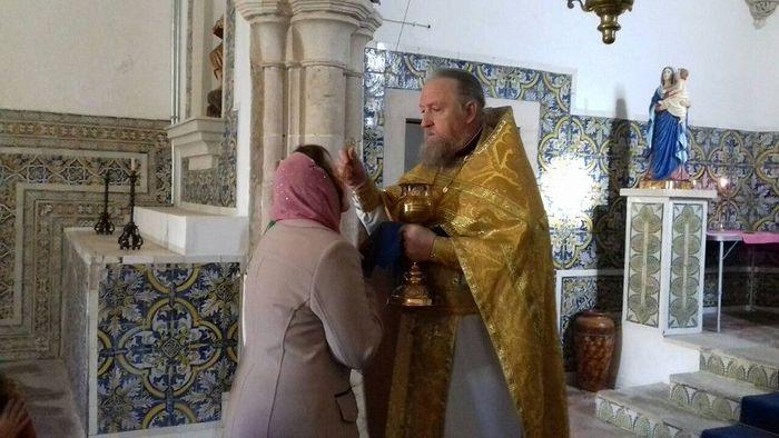 Литургия в г. Торриш Новаш. Фото с сайта http://news.church.ua