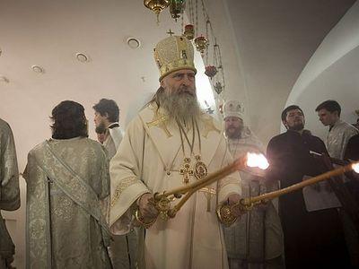 Архиепископ Феогност совершил освящение придела храма на подворье Троице-Сергиевой лавры при доме слепоглухих