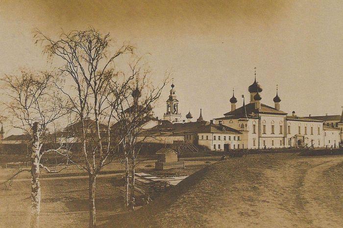 Монастырский храм в честь Тихвинской иконы Божией Матери