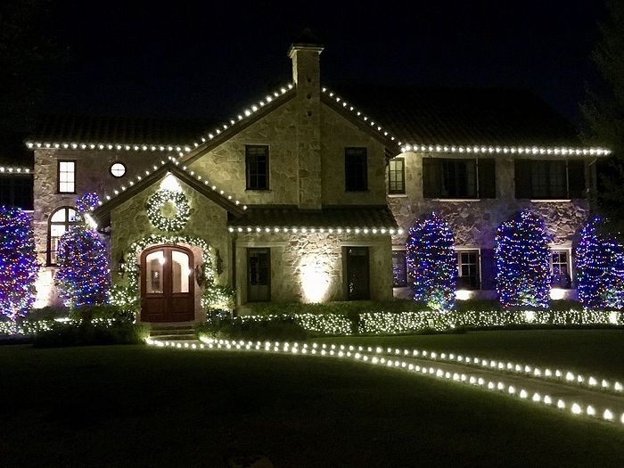 Christmas decorations in Dallas, Texas. Photo: OrthoChristian.com