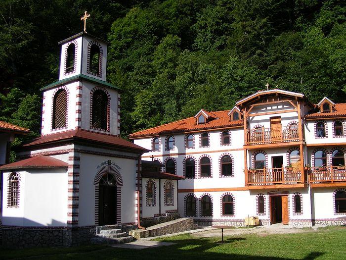 Монастырь Архангела Михаила в Кокалянах