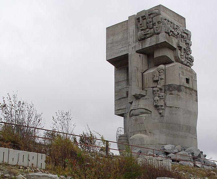 Ernst Neizvestny. The Masks of Sorrow. Photo: Wikipedia