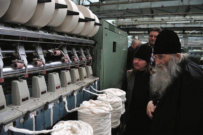 Schema-Archimandrite Iliy at a cotton mill. 2010. Photo: Alexei Loven