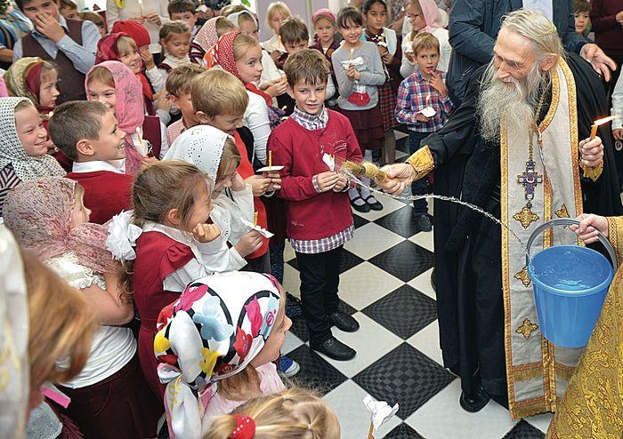 Elder Iliy at a school. Photo: Alexei Loven