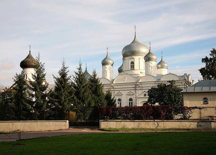 Новгород. Покровский собор Зверина монастыря в настоящее время.