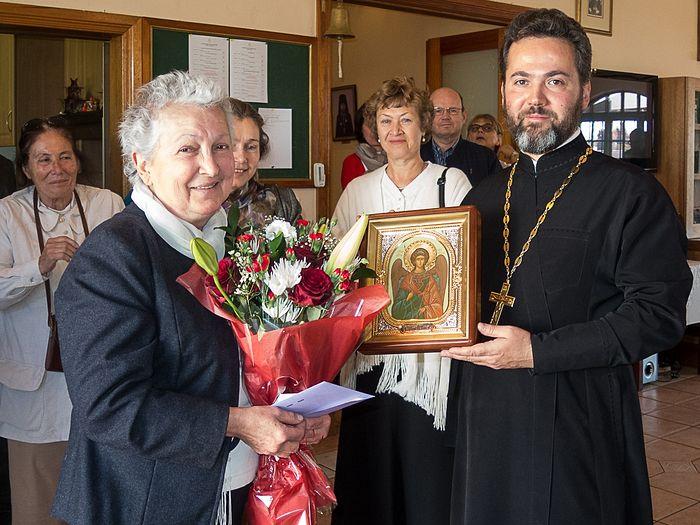 Протоиерей Даниил Луговой и прихожане Сергиевского храма поздравляют Ангелину Давтян с 70-летним юбилеем (20 августа 2016 года)
