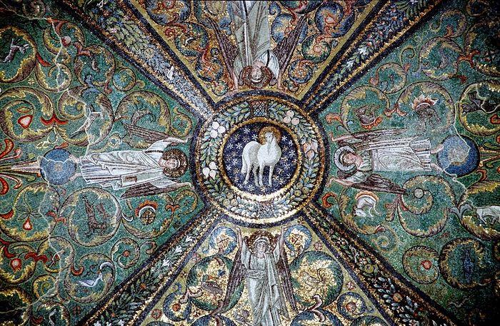 Lamb of God mosaic in presbytery of Basilica of San Vitale. Ravenna, Italy. Photo: ruicon.ru
