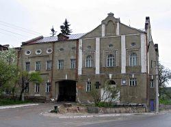 Здание бывшей Кременецкой Духовной семинарии, в которой преподавал М.П. Кобрин