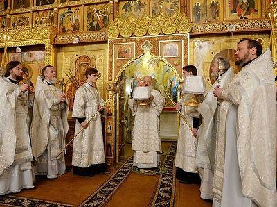 В Крещенский сочельник Патриарх Кирилл совершил Литургию в нижней церкви кафедрального соборного Храма Христа Спасителя