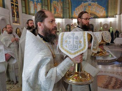 Божественная литургия в Сретенском монастыре в Неделю 33-ю по Пятидесятнице, по Богоявлении