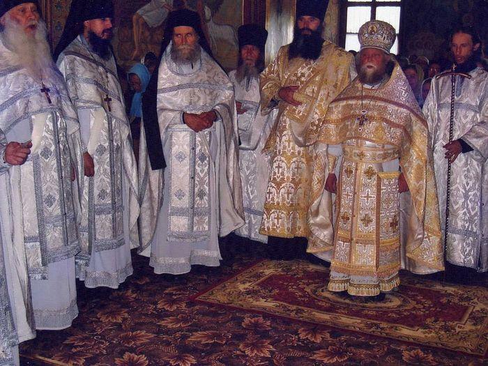Игумен с Синайской горы Павел сослужит отцу Венедикту в Оптиной Пустыни