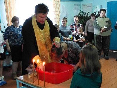 Более семидесяти чулымцев приняли Таинство Крещения