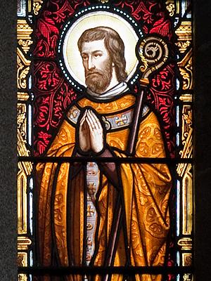 Витраж с изображением свт. Айдана (Мэдока) внутри собора Эннискорти, Уэксфорд