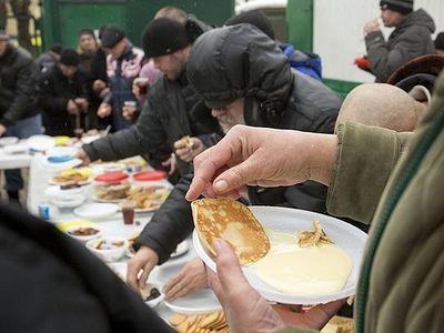 Православная служба «Милосердие» накормит московских бездомных блинами на Масленицу