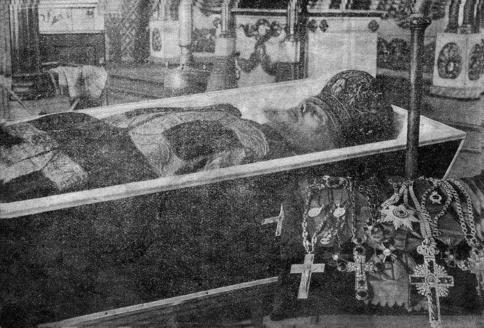 Архимандрит Аркадий (Честонов) в гробу
