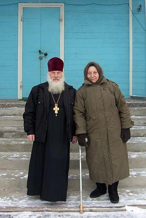 Отец Георгий Глазунов со старостой прихода