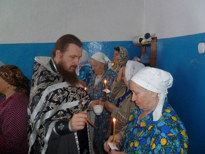 Почивший протоиерей Иоанн Глазунов. Соборование в шацкой больнице