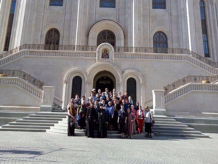 Прихожане Свято-Георгиевского храма в Сретенском монастыре