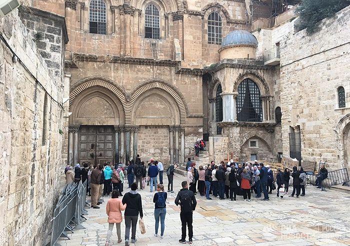 Закрытый Храм гроба Господня в Иерусалиме в знак протеста против муниципального налога. 25 февраля 2018. Фото: РИА Новости / Артур Габдрахманов