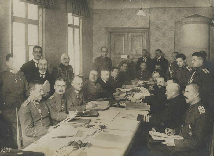 Во время переговоров в Брест-Литовске