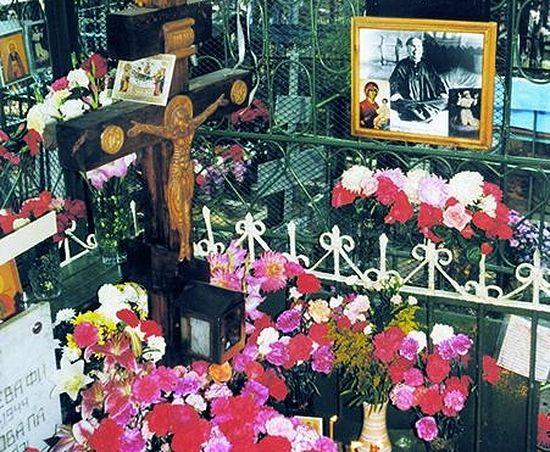 Так выглядела могила блаженной Матроны до обретения мощей