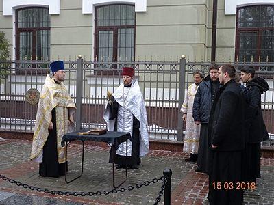 В Харькове совершено заупокойное богослужение по военнопленным, погибшим во время немецкой оккупации