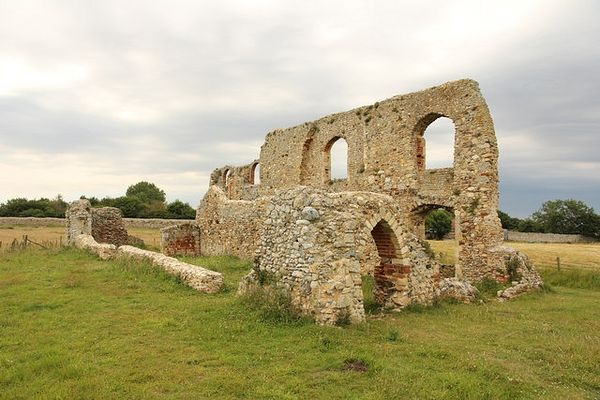 Ruins of the Grey Friars Monastery in Dunwich, Suffolk (photo by Richard Croft from Geograph.org.uk)