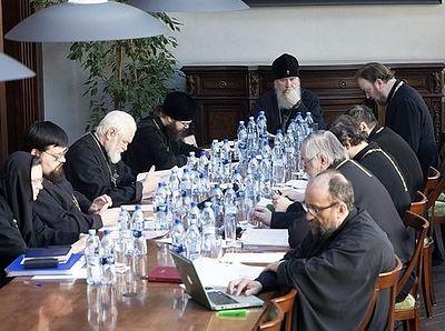 Весенняя сессия Межсоборного присутствия открылась обсуждением актуальных проблем церковного права